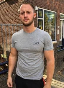 EA7 t - shirt € 60