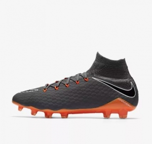 NIKE HYPERVENOM PHANTOM III PRO DYNAMIC FIT FG € 150