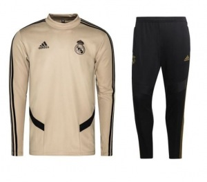 Real-Madrid-Swest-suit