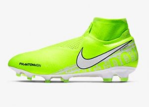 Nike-Phantom-Vision-Elite-Dynamic-Fit-FG-€-270